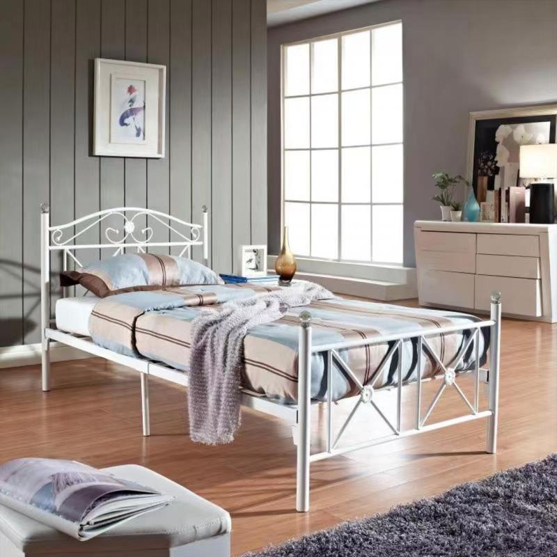 łóżko Metalowe Mbd8313 Białe Ze Stelażem
